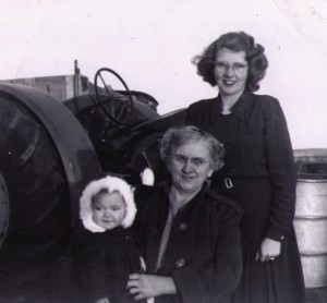 Joan Kerr, Isabel Irvine, Betty Kerr